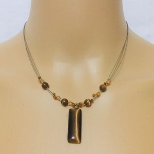 Jewelry - SO Pretty Floating Bead Necklace
